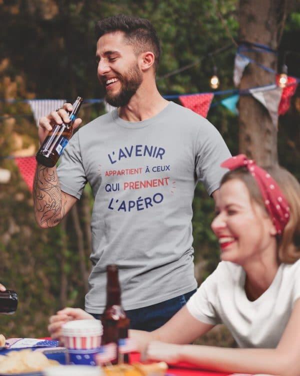 T-shirt L'avenir appartient à ceux qui prennent l'apéro
