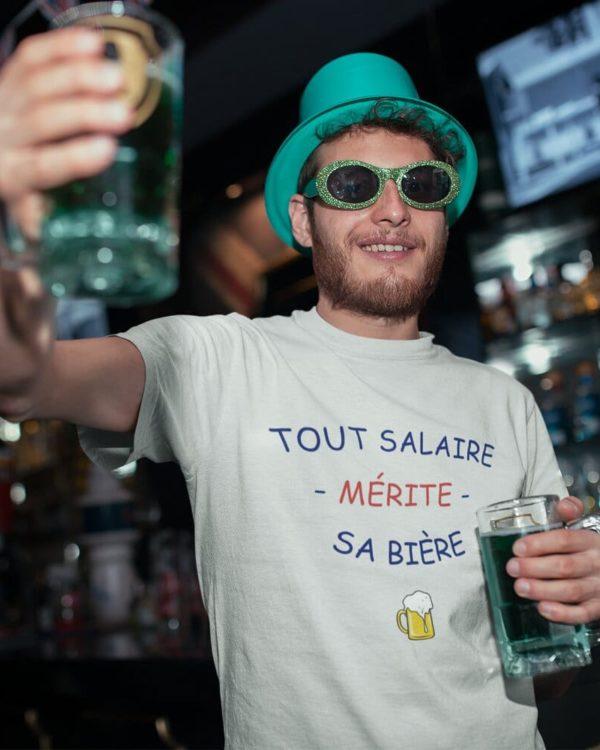 T-shirt Tout salaire mérite sa bière